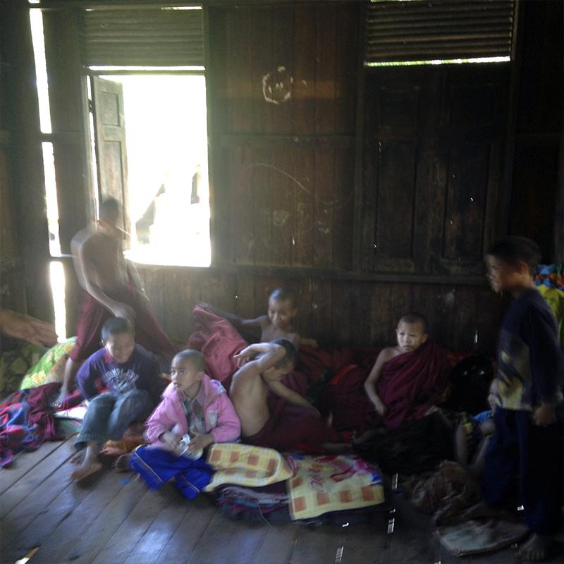 habitación-niños-monasterio