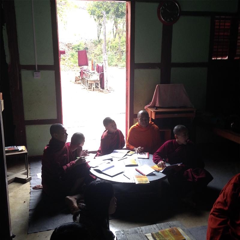 monastic-escuela