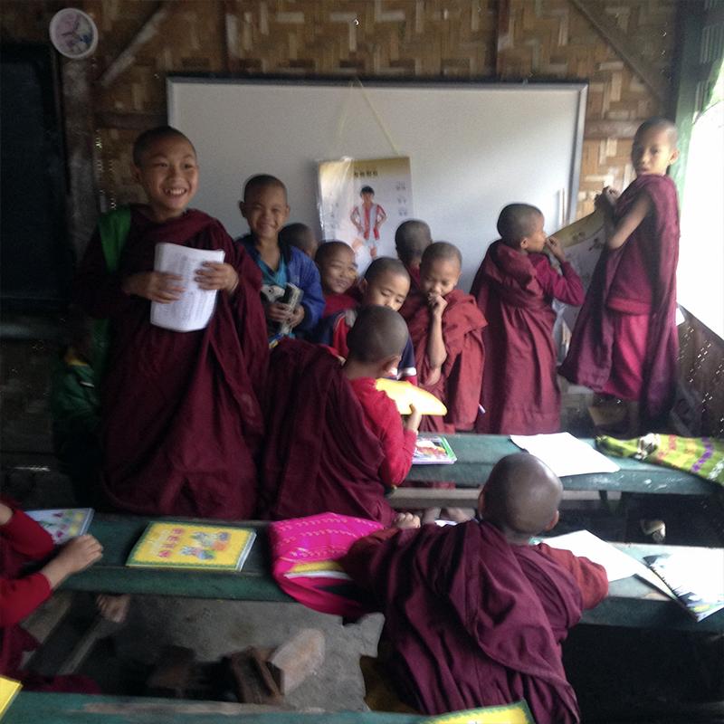 escuela-monastic-taw-kywe-luu