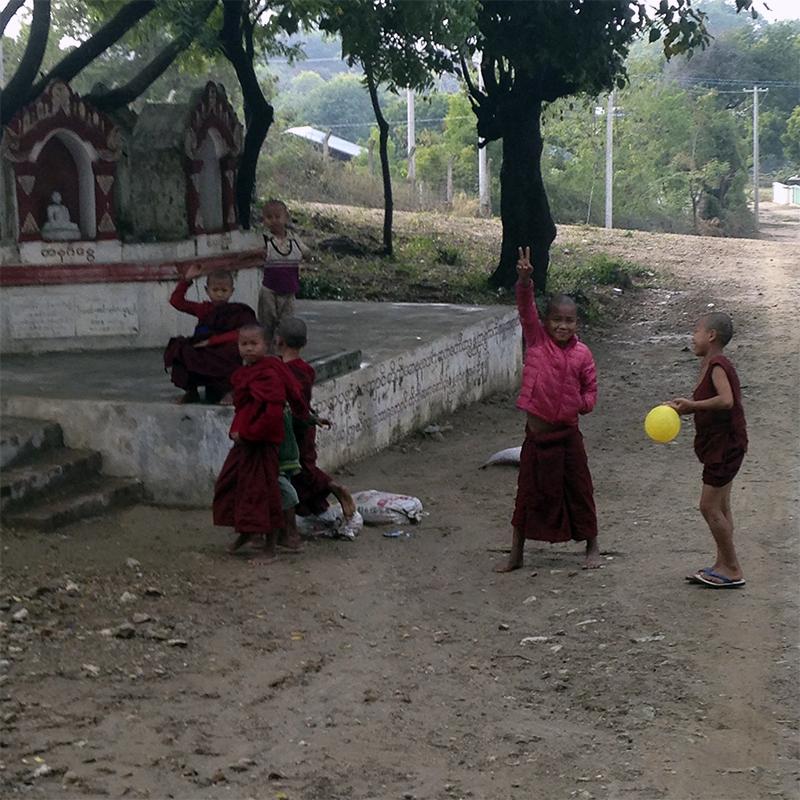 jugando-monastic-taw-kywe-luu
